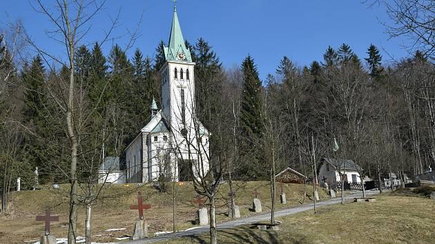 Křížová cesta v Bedřichově.