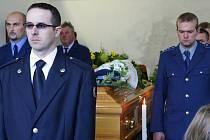 V Bohdalovicích u Velkých Hamrů se v pátek rozloučili v hasičské zbrojnici s dlouholetým členem Sboru dobrovolných hasičů Stanislavem Jiřičkou.