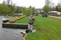Na Novoveském koupališti se konala veřejná soutěž lodních modelářů a postupová soutěž žáků.