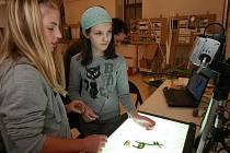 Děti na workshopu v Oblastní galerii. Ilustrační foto.