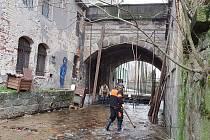 V Jablonci v ulici Lidická pomalu končí rekonstrukce mostu.