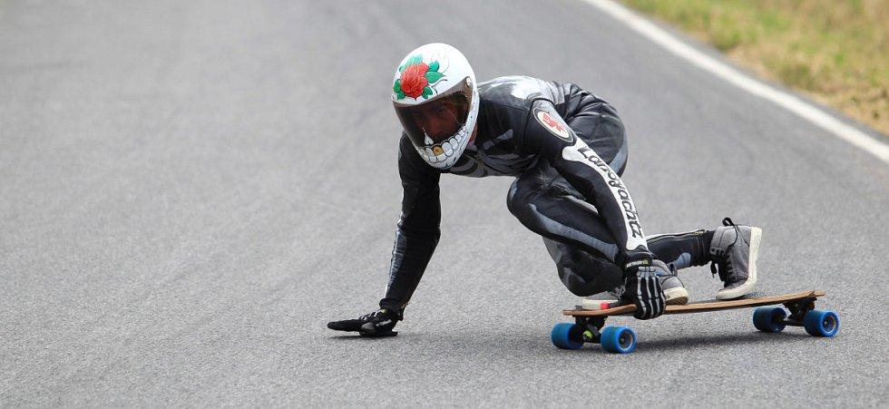 Kozákov Challenge 2013. Na snímku kvalifikační jízdy do hlavního závodu.