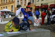 Program Dnu bez aut na jabloneckém Dolním náměstí byl věnován především nejmenším návštěvníkům.
