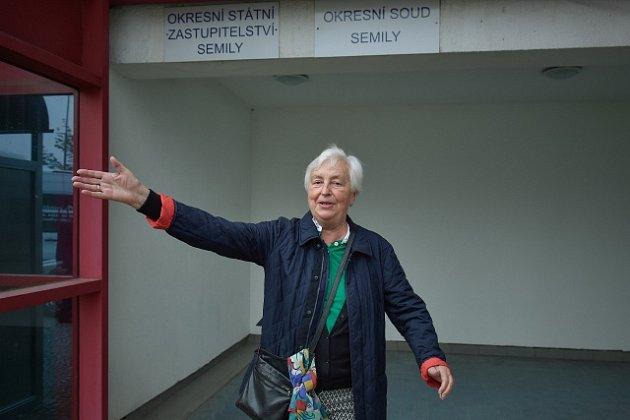 Dědička Johanna Kammerlanderová se domáhá vrácení rozsáhlého majetku na Turnovsku včetně zámku Hrubý Rohozec.