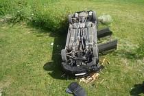 Auto spadlo z podezdívky
