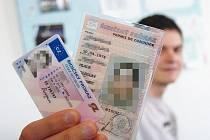 Ilustrační foto k výměně řidičských průkazů.