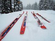 Pracovníci SKI Bižu už spustili sněžná děla.