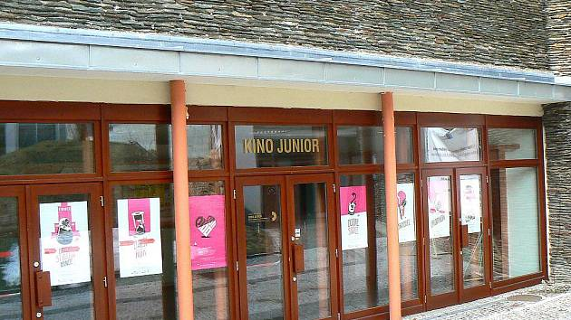 Kino Junior.