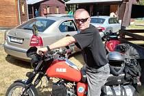 Rudolf Šrámek na motocyklu.