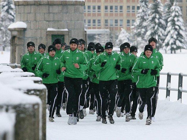 Jablonecký Baumit v pondělí zahájil zimní přípravu. Dopolední seznamovací výběh okolo přehrady.