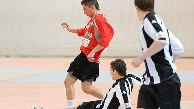 V Městské sportovní hale v Jablonci se konal III. ročník halového fotbalového turnaje Svijany Cup.