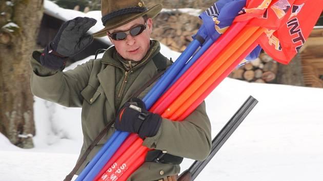 K tradicím v areálu Černá Říčka patří Zimní finále na závěr sezony. V sobotu Ledovcové rallye skicross, večer Děkujeme zhasínáme a v neděli Ledovcová olympiáda a zamknutí sjezdovky Krakonošem.