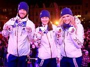 Medailové naděje. Ondřej Bank (vlevo) a Lukáš Bauer před odletem na olympiádu v Soči.