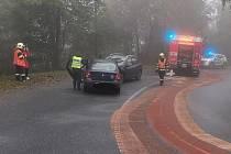 U Kopaniny se čelně srazila dvě auta. Při nehodě se zranil jeden člověk