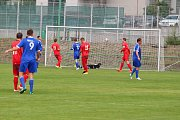 Divize: Mšeno A - Dvůr Králové  2:0 (1:0) Mšeno - červené dresy.