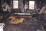 Ve středu v 15 hodin byl ohlášen požár roubené chalupy v části Malá Horka na území obce Železný Brod. Požár se podařilo dostat pod kontrolu v 16 hodin. Poté rozebírali ohořelé střešní konstrukce, přičemž na půdě chalupy našli ohořelé lidské tělo.