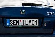 Služební vozy semilské radnice mají od srpna registrační značky na přání. Od této změny si město slibuje lepší identifikaci vozidel, které radnice ke své činnosti využívá a zároveň jedinečnou možnost prezentace města Semily.