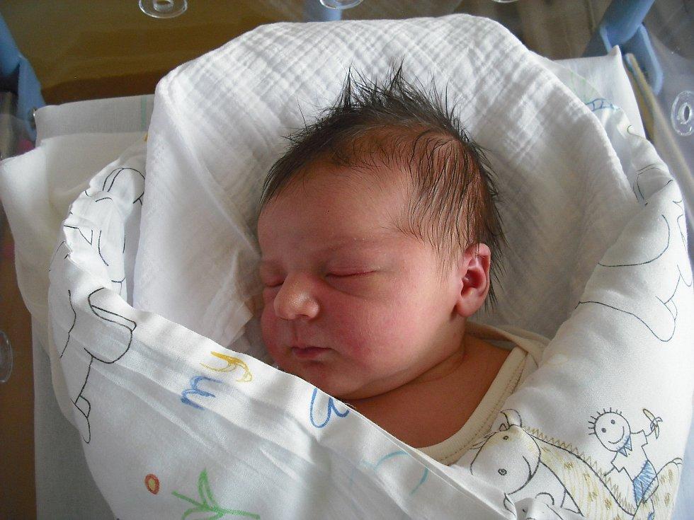 Thea Vykydalová. Narodila se 16.února mamince Dianě Stránské z Jesennýho. Vážila 3,68 kg a měřila 50 cm.