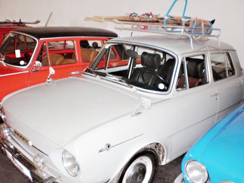 Otevření depozitáře Muzea socialistických vozidel