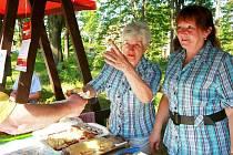 Prolínání – Sen o Jizerských horách aneb smržovský jarmark a Den jizerskohorských jídel. Nejen ukázky řemesel a stánkový prodej přitáhly návštěvníky okolí Parkhotelu. Velký zájem byl i o místní kulinářské specialit či kulturní doprovodný program.
