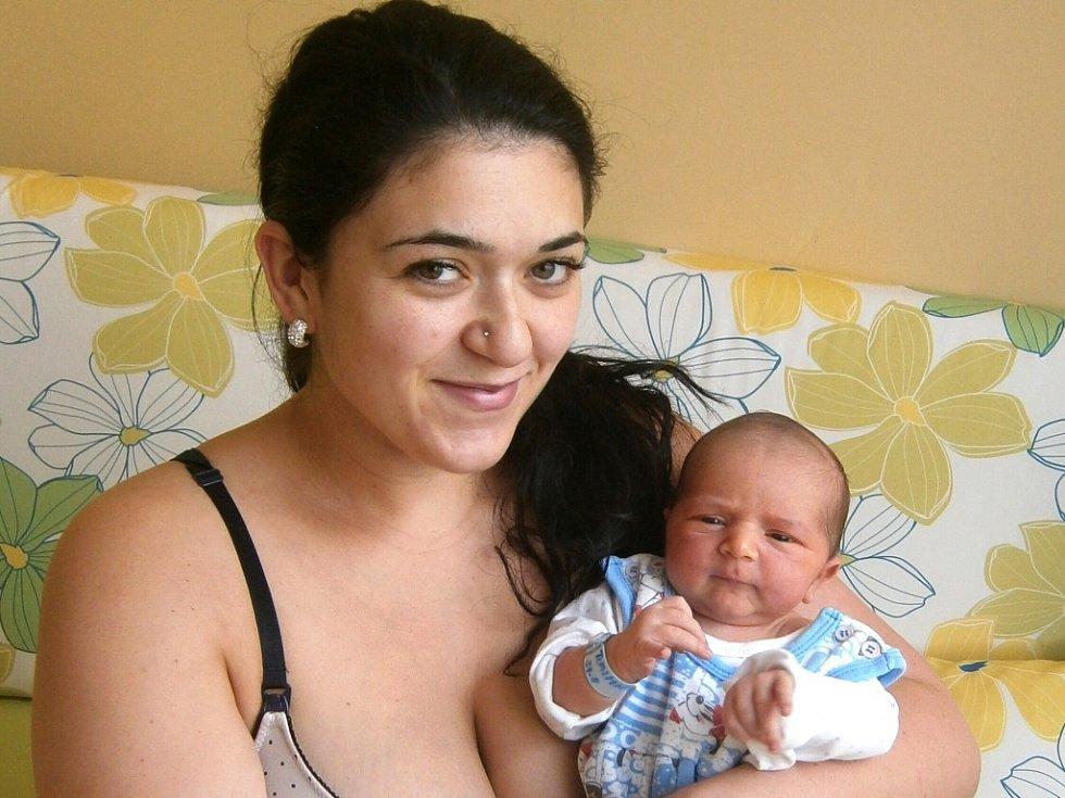 Daniel Raiminius se narodil Veronice a Viktorovi Raiminiusovým z Jablonce nad Nisou 31.8.2015. Měřil 52 cm a vážil 4500 g.