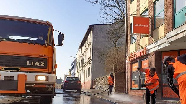 Jarní úklid jabloneckých ulic. Ilustrační foto.