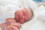 BENJAMÍN MINAŘÍK se narodil v neděli 25. března v jablonecké porodnici mamince Karolině Minaříkové z Liberce. Měřil 50 cm a  vážil 3,90 kg.