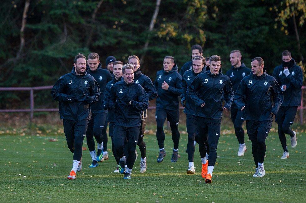 Trénink fotbalistů FK Jablonec (na snímku z 24. října) před zápasem skupiny K Evropské ligy mezi týmy FK Jablonec a FC Astana, který se odehraje 25. října na stadionu Střelnice v Jablonci nad Nisou.