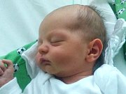 MARTIN KOUTNÝ se narodil 30. října 2016 v Jablonci nad Nisou Martině a Martinovi Koutným. Měřil 49 cm a vážil 2780 g.