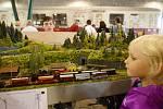 Příznivci železnice se sešli v Kořenově, kde si mohli prohlédnout modely vláčků, kabinu lokomotivy, svézt se důlním vláčkem, nebo si užít jízdu po zubačce.