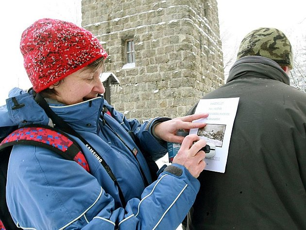 Desítky lidí se v neděli na svatého Štěpána vydaly z Lučan na rozhlednu Bramberk, která byla mimořádně pro tuto příležitost otevřena.