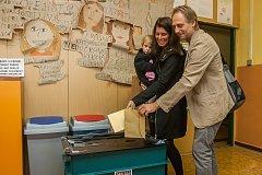 Michaela Tejmlová (Společně pro Jablonec) odevzdala 6. října v Jablonci nad Nisou svůj hlas ve volbách do zastupitelstva a doplňovacích volbách do Senátu Parlamentu České republiky.