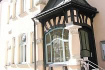 Dům v ulici Budovatelů 7 v Jablonci nad Nisou, sídlo Všeobecné zdravotní pojišťovny.