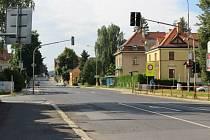 Křižovatka ulic Palackého – U Přehrady.