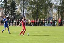 V divizním zápase si sice tři body připsala domácí Jiskra Mšeno, ale trenér Jaroslav Votoček z výkonu svého týmu nadšený nebyl.