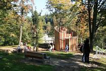 Na Žižkově vrchu otevřeli nový lesopark.