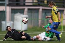 Fotbalistky Jablonce porazily Teplice (ve žlutém) 2:0.