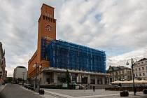 Budova Magistrátu města Jablonec nad Nisou na snímku z 9. května.