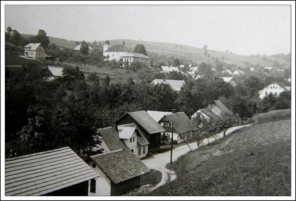 Historické fotografie obce Zlatá Olešnice. FOTO: archiv obce Zlatá Olešnice