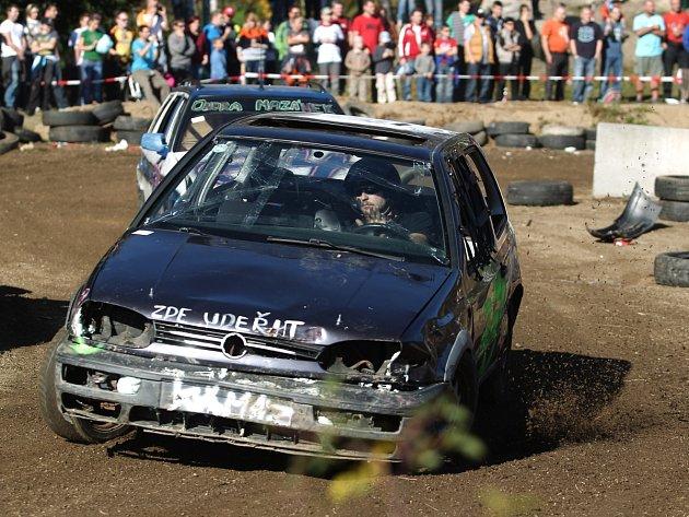 Tanvald v sobotu hostil třetí pokračování již legendárního Autošťouchu. Závodilo přes sedmdesát posádek a diváků přišly na tři tisíce.