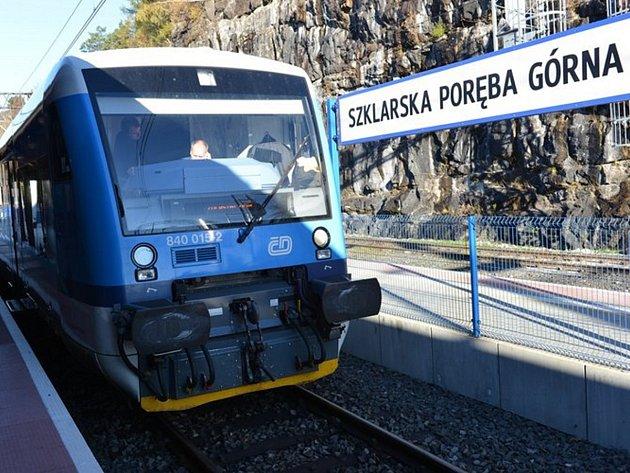 Vlak Českých drah Stadler ve Sklarske Porebě