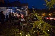 Rozsvícení vánočního stromu v Železném Brodě.