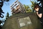 2009. Stavba původní dřevěné rozhledny.