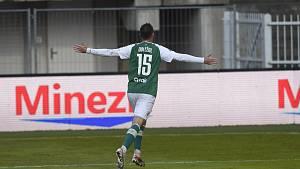 Martin Doležal se raduje z gólu.