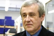 Akademický sochař Vladimír Oppl.