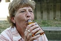 Alkohol u seniorů - ilustrační snímek