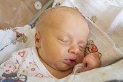 TADEÁŠ PEŘINA se narodil v pondělí 27. března mamince Tereze Plívové z Turnova. Měřil 48 cm a vážil 2,97 kg.