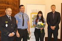 Strážníci zachránci dostali finanční odměnu.