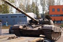 V noci ze středy na čtvrtek dojel z Moravy na Smržovku nákladní tahač vezoucí tank T 72. Lidé jej poprvé uvidí v sobotu při akci s názvem: 65. výročí ukončení bojů v karpatsko–dukelské operaci.