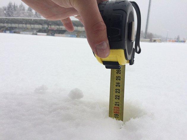 Střelnici zahalil sníh. Fotbal vJablonci zrušila kalamita.